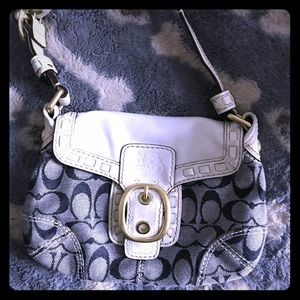 Small coach purse hobo in excellent condition
